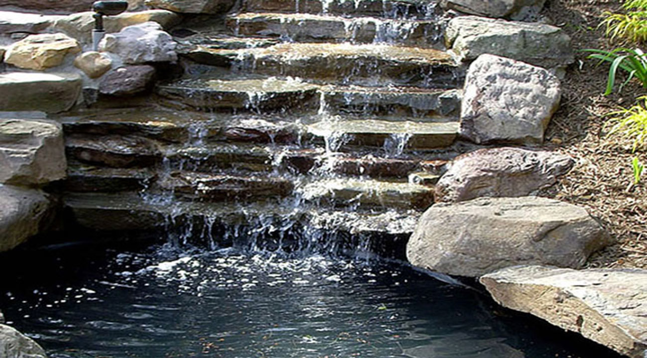 Water features gardenwisegardenwise for Waterfall features